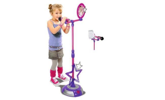 mikrofon z dziewczynką