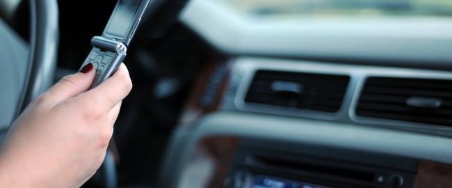 Masz samochód? Oto 8 wskazówek na bezpieczną jazdę samochodem
