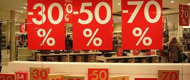 Jak nie dać się oszukać na promocjach w sklepie?