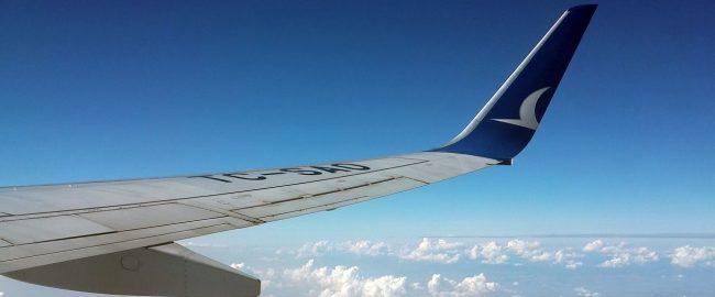 Dziecko w samolocie, czyli jak przetrwać lot?