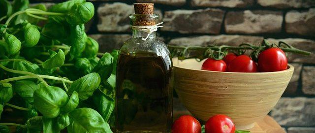Domowe sposoby na kaszel. Znasz te produkty i na pewno masz w kuchni – wykorzystaj je!
