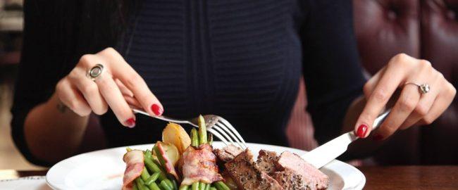 Nie lubisz? To nie jedz, ale nie obrzydzaj innym posiłku. Wątróbka z golonką wcale nie gryzą