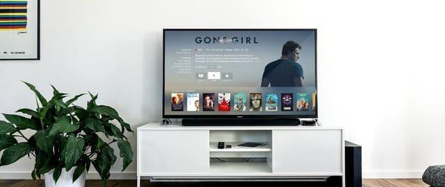 Chcesz kupić nowy telewizor? Sprawdź, o co zapytać sprzedawcę