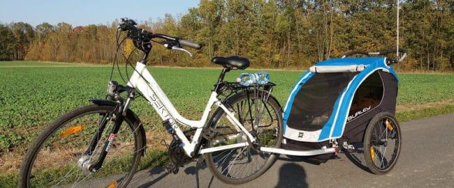 Rodzina na rowerze – jak podróżować z niemowlakiem?