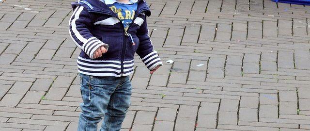 Wychodzisz z dzieckiem na pięć minut? Sprawdź, czy masz w torebce wszystko, czego potrzebujesz