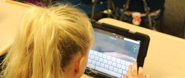 Trzy filmiki, które zmieniły spojrzenie mojego dziecka na internet, czyli dziecko w sieci