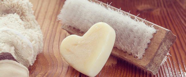 7 przepisów na naturalne środki do czyszczenia w łazience. Nikt nie powie, że się nie da!