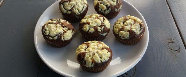 Czekoladowe muffiny z nadzieniem serowym – palce lizać