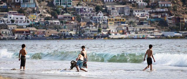 Rodzice nie pilnują swoich dzieci, gdy bawią się w wodzie – szczyt lenistwa, czy głupoty?