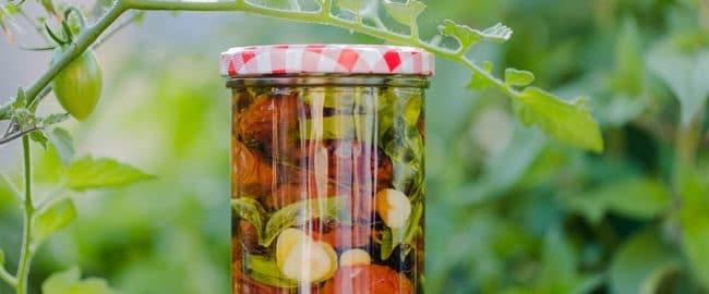 Suszone pomidory – przepis na cudowny smak lata