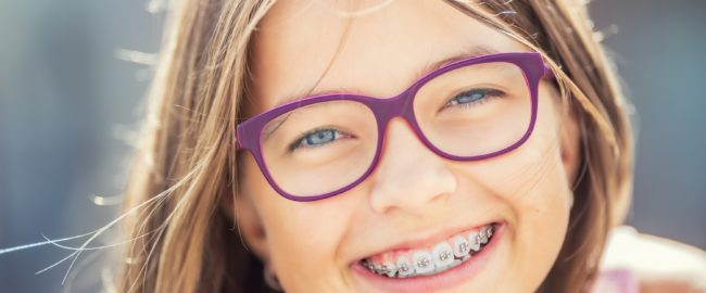 Pielęgnacja jamy ustnej dzieci w wieku szkolnym – to musisz wiedzieć