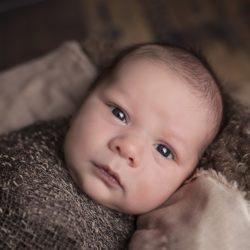Kiedy dziecko zaczyna widzieć. Co widzi noworodek?