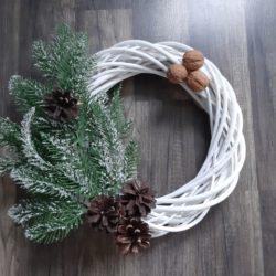 Wieniec na drzwi DIY – banalna wersja zimowo-świąteczna