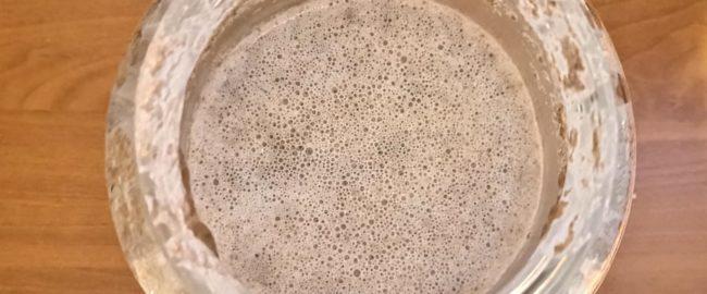 Zakwas żytni na chleb – jak przechowywać i jak dokarmiać?