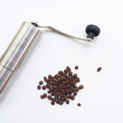 Jak wybrać dobrej jakości młynek do kawy?