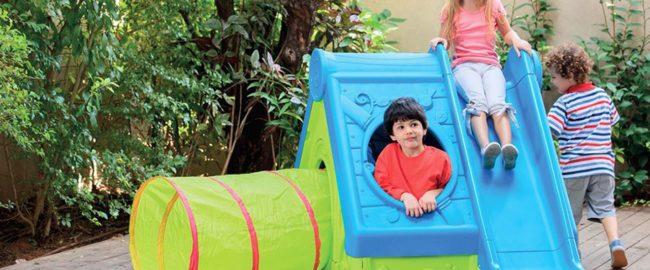 Dziecko w ogrodzie – o czym pamiętać?