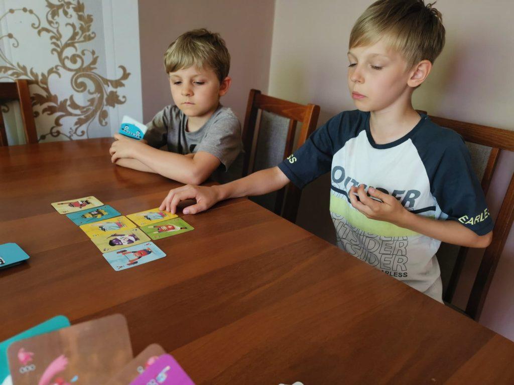 Paszczaki - gra karciana dla dzieci