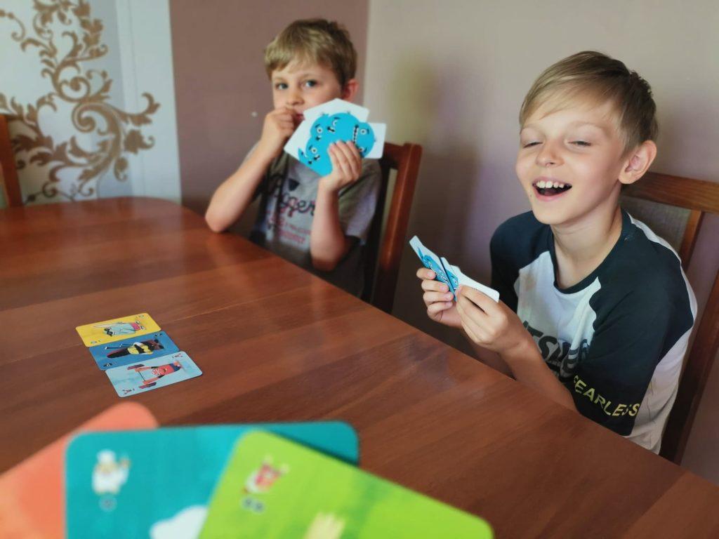 Paszczaki gra karciana dla dzieci