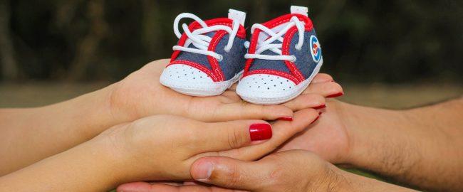 Trzeci miesiąc ciąży. Co się dzieje tydzień po tygodniu u dziecka i mamy?