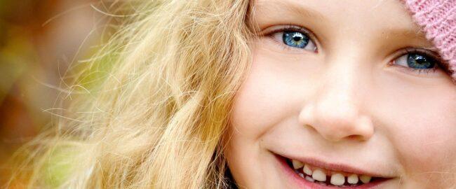Diastema u dziecka – defekt czy urok?