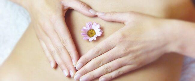 Bolesne miesiączki – domowe sposoby na przykre dolegliwości