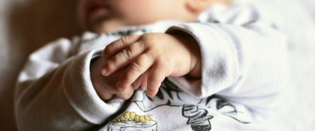 Syndrom dziecka potrząsanego — krzywda, która może stać się dziecku nie tylko w wyniku przemocy