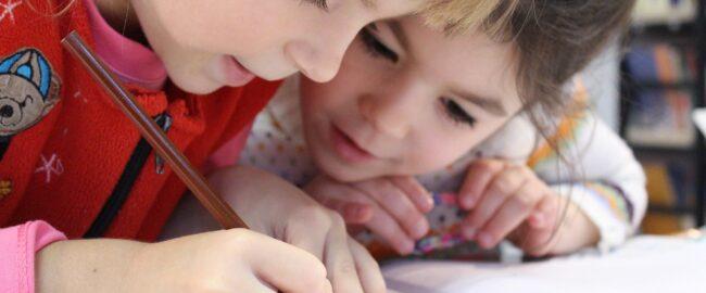 Dysleksja rozwojowa: jej objawy pojawiają się już w przedszkolu!